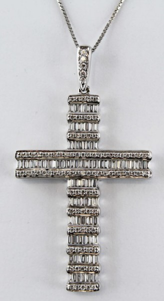 Kreuzkette, Collier,  Weissgold 18Karat, 100 Baguette Diamanten 2,0ct., 96 Brillanten 0,50ct. TW/VSI,  Vollschliffkreuz