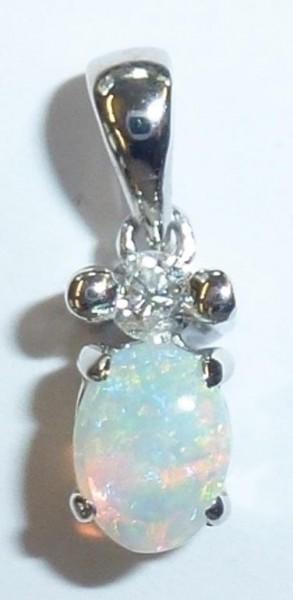Anhänger in Weissgold 750/ – besetzt mit 1 Opal 0,10ct und einem funkelnden Diamanten 0,05ct TW/SI, Lochgröße 2,5mm, Maße 12x4x4mm zum Bestpreis aus Stuttgart bei Abramowicz dem Schmuckhändler